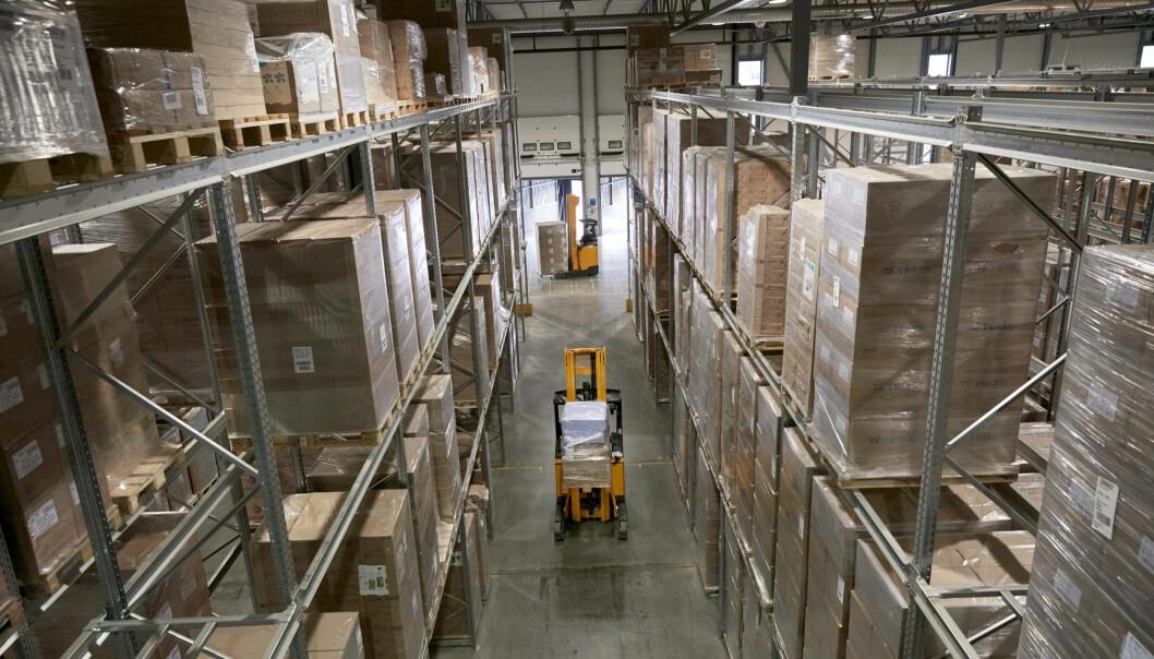 Lageret på Vestby har ulike typer hyller, reoler, tilgjengelig gulvplass og automatisert lager for småvarer.