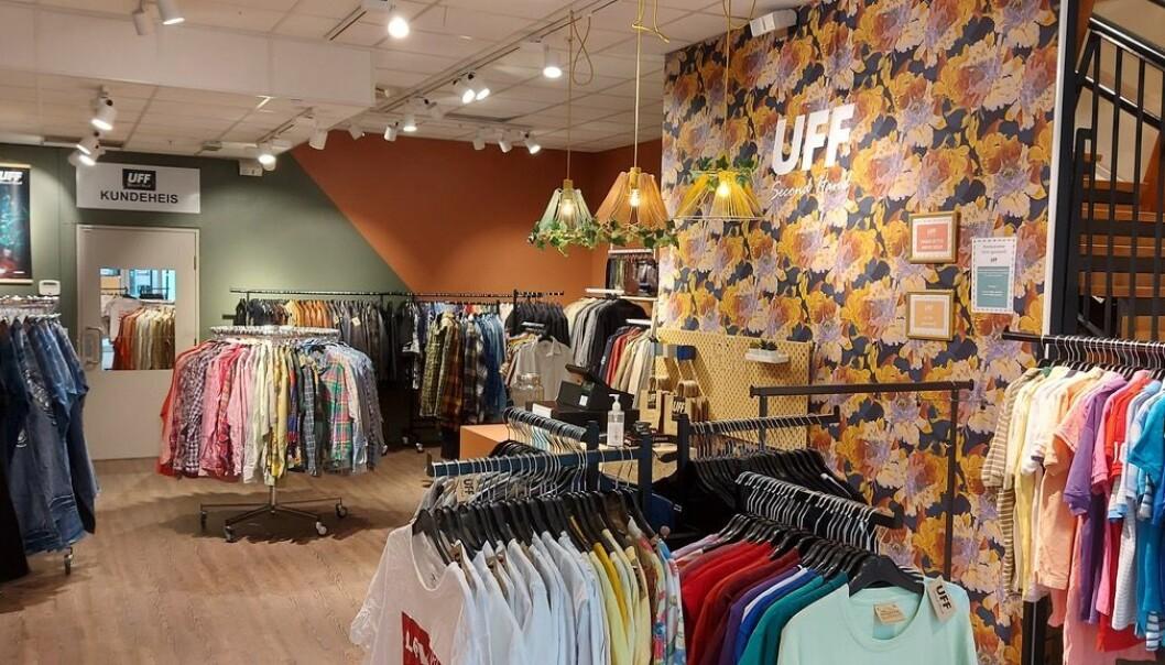 UFFs gjenbruksbutikk i Trondheim har truffet godt. Her kan kundene velge mellom 4000–5000 plagg.