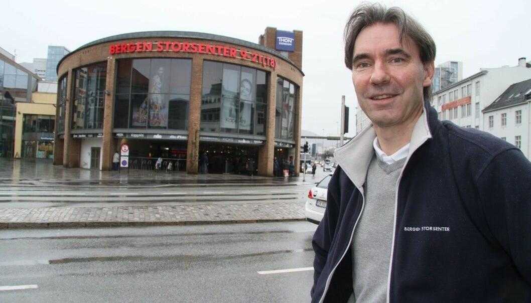 Senterleder Odd Rune Bjørge ved Bergen Storsenter advarer bransjekolleger om svindelforsøk på Facebook.