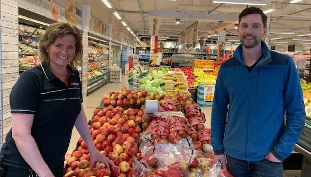 Butikksjef Gunn Dagmar Liljebakk og distriktssjef Vegard Arntsen Skjaeret er glade for at byggearbeidene kommer i gang denne uken.