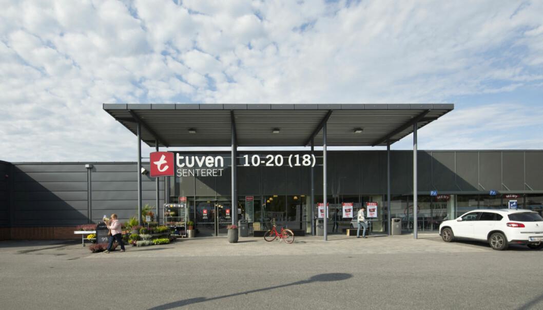 Inngangen til Tuven Senteret som i sommer bygges ut og oppgraderes.