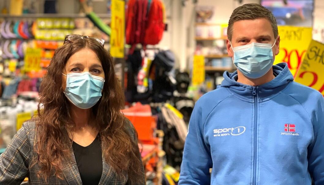 Senterleder Margit Bakken og Sport1 ved Anders Kasin får utvide butikken med 200 kvadratmeter. Tirsdag ble ansiktsmasker påbudt etter nytt korona utbrudd.