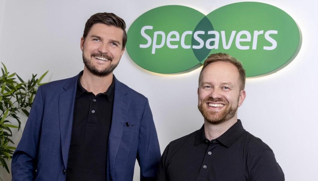 GOD STEMNING: Specsavers-leder Henning Eriksen, er fornøyd med ansettelsen av Truls-Erik Thomassen som executive assistant. Ansettelsen er en av flere nyansettelser hos optikerkjeden.