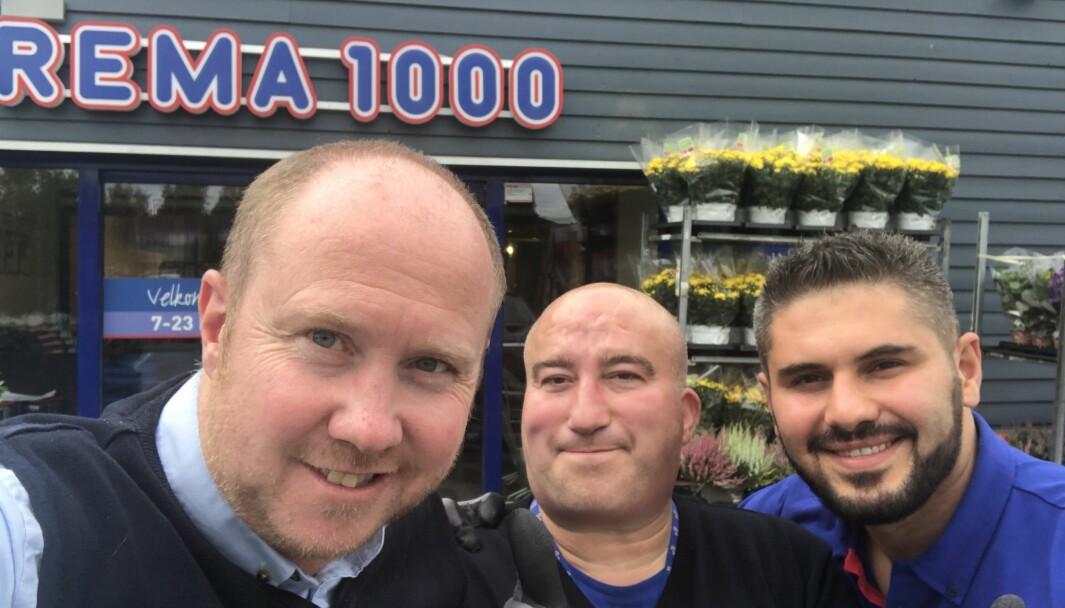Trio som setter pris på Rema 1000 som arbeidsgiver: Fra v. Kai-Petter Ulbo, Per Kristian Fjeld og Hamzat Merzjoev.