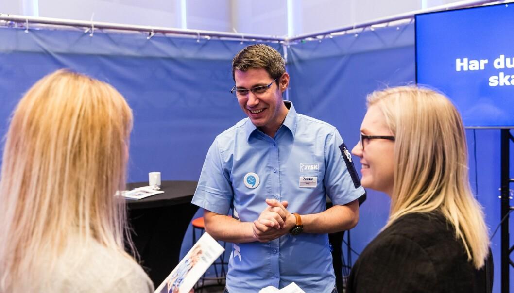 Jysk satser tungt på traineer og intern rekruttering til lederstillinger. Her er HR Business Partner Børge Hartweg på utdanningsmesse.