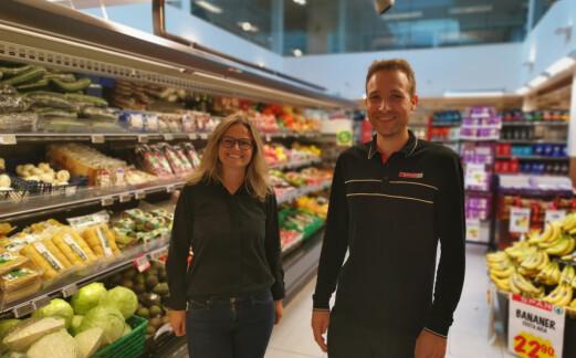 Kommunen gjorde lokale butikker konkurransedyktige i anbud – kjøpmannen er svært fornøyd
