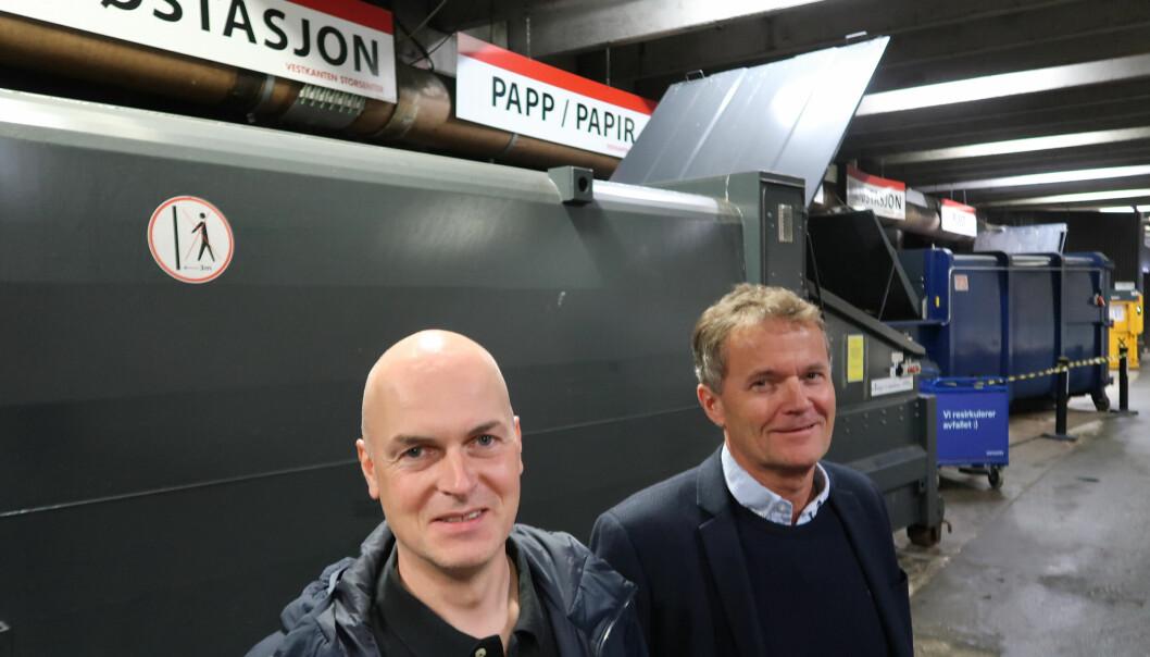 Driftssjef Geirmund Hopland og senterdirektør Rolf Tvedte på Vestkanten Storsenter har oppnådd mer sortering og gjenvinning av avfall.